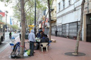 People playing chess in Tenderloin, a historic San Francisco neighborhood. Credit: jjron [GFDL 1.2].
